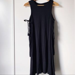 AEO black long sleeve cold shoulder dress small